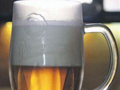 Как правильно наливать, разливать живое пиво